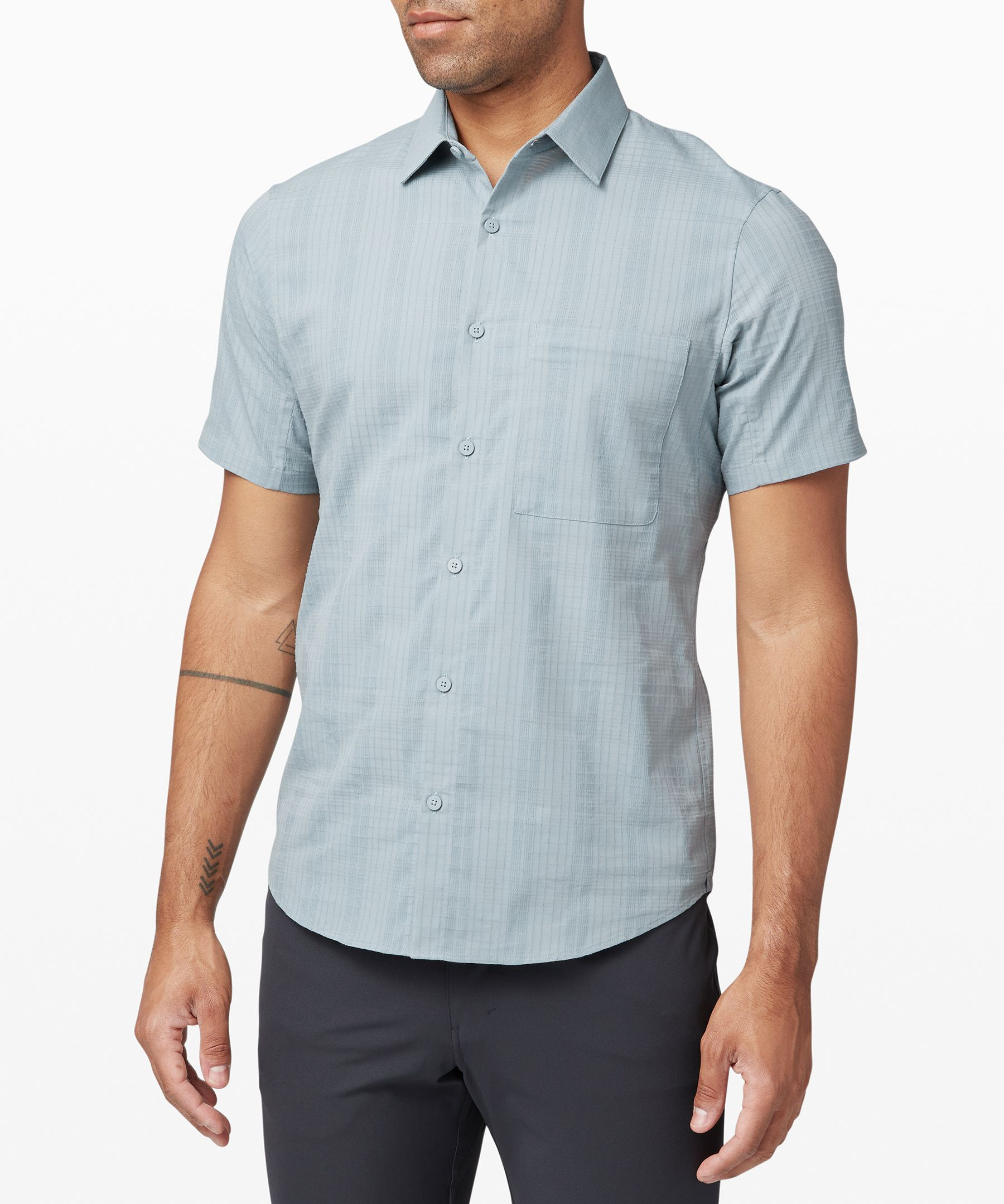 This collared shirt feels as  good as it looks. Made from  stretchy Technical Cotton  fabric with anti-stink  technology, you\\\'ll wear it  again and again and again.