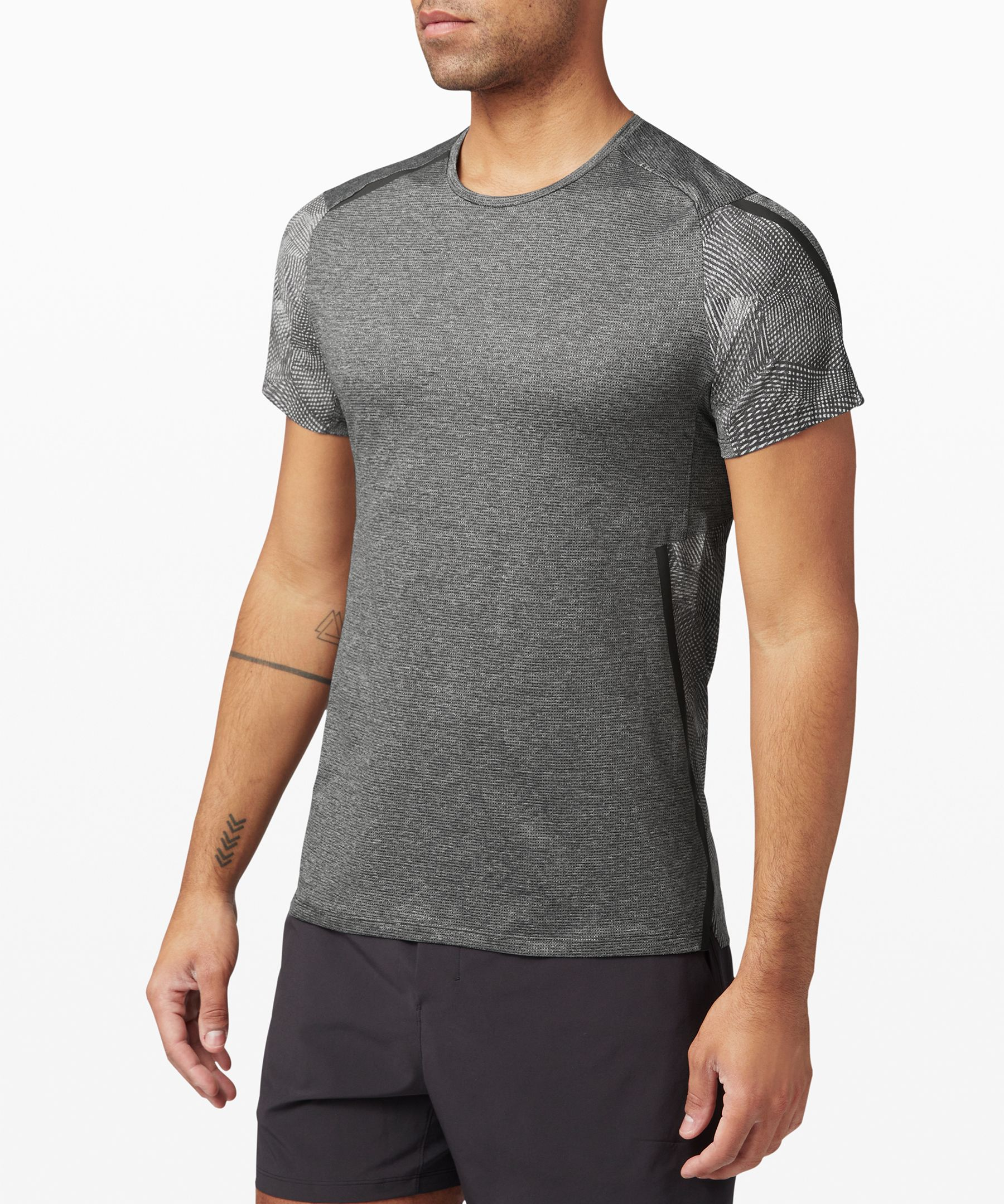 Power through your last mile  with nothing holding you back.  This breathable run top is  made super lightweight Mesh  fabric with overt reflectivity  to keep you feeling fast and  on the radar.