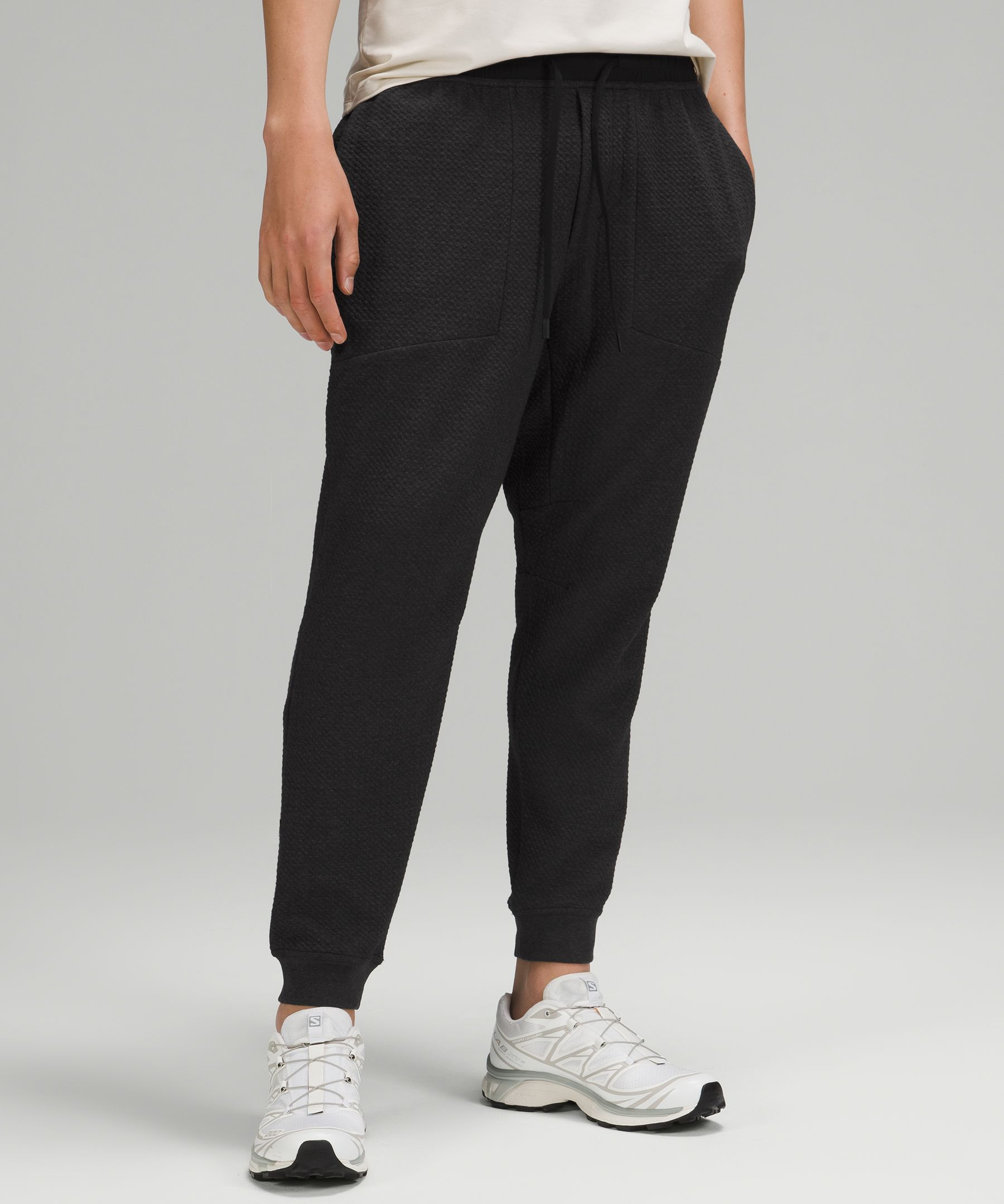 These textured joggers feel  soft against your skin,  whether you\\\'re warming up at  the gym or hitting the streets  post workout.