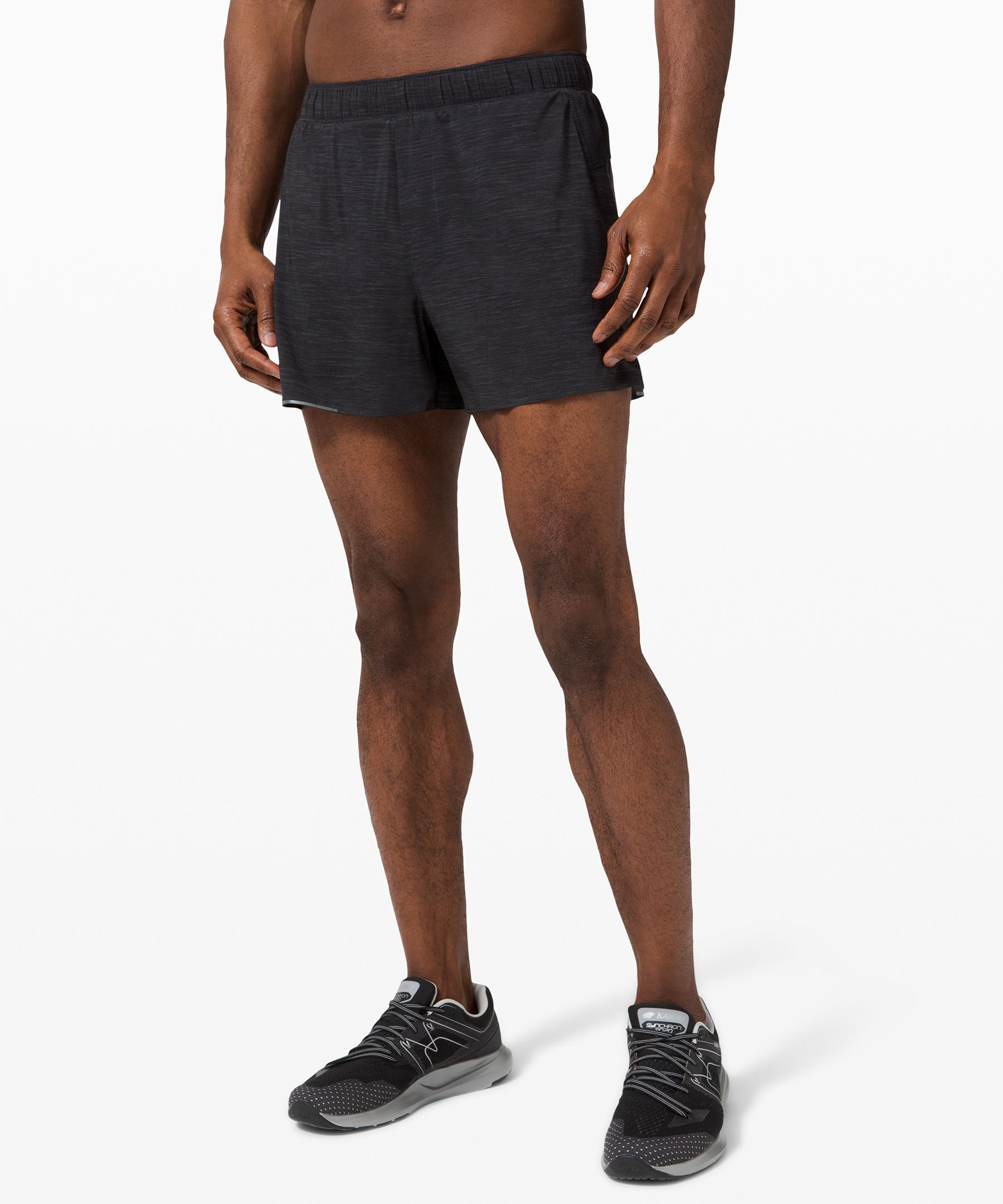 Run without limits in these  super lightweight,  distraction-free shorts that  keep your focus on your stride  mile after mile after mile.