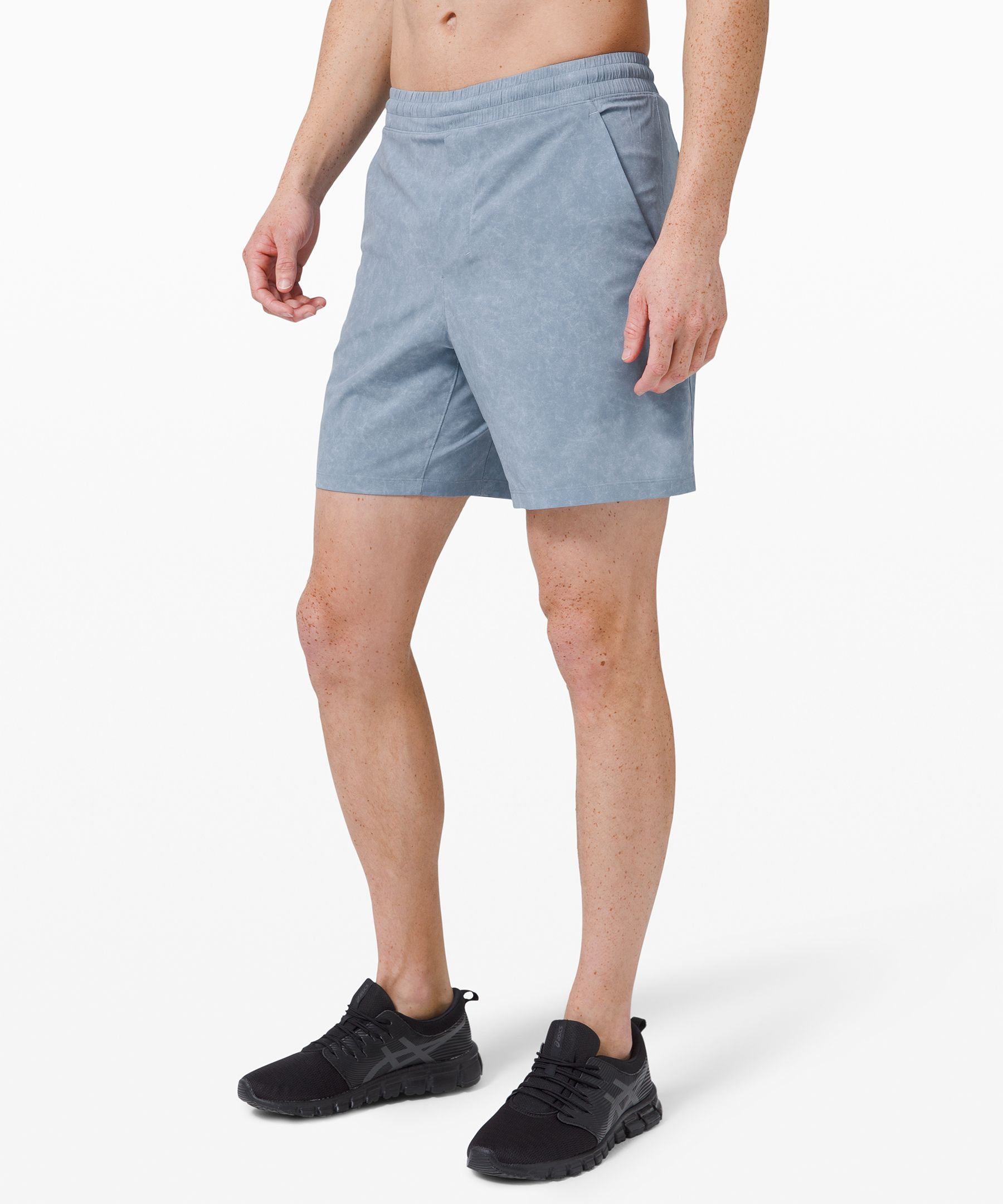 These versatile shorts adapt  to your workout. Keep your  essentials on-hand with  storage options that won\'t  hold you back on the track, or  during your toughest training  sessions.