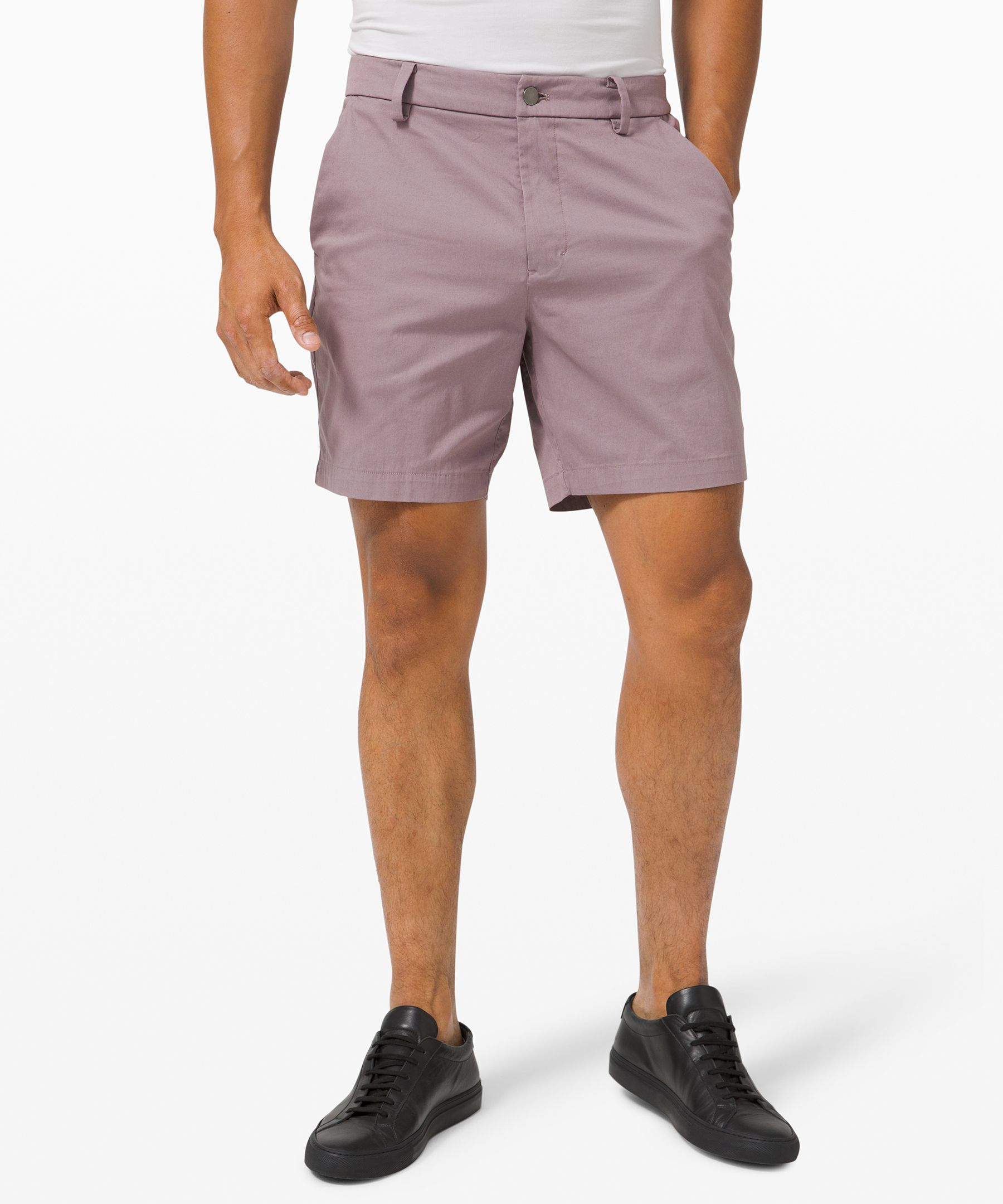 Inspired by chinos, these  classic-fit shorts are made  for all-day comfort.
