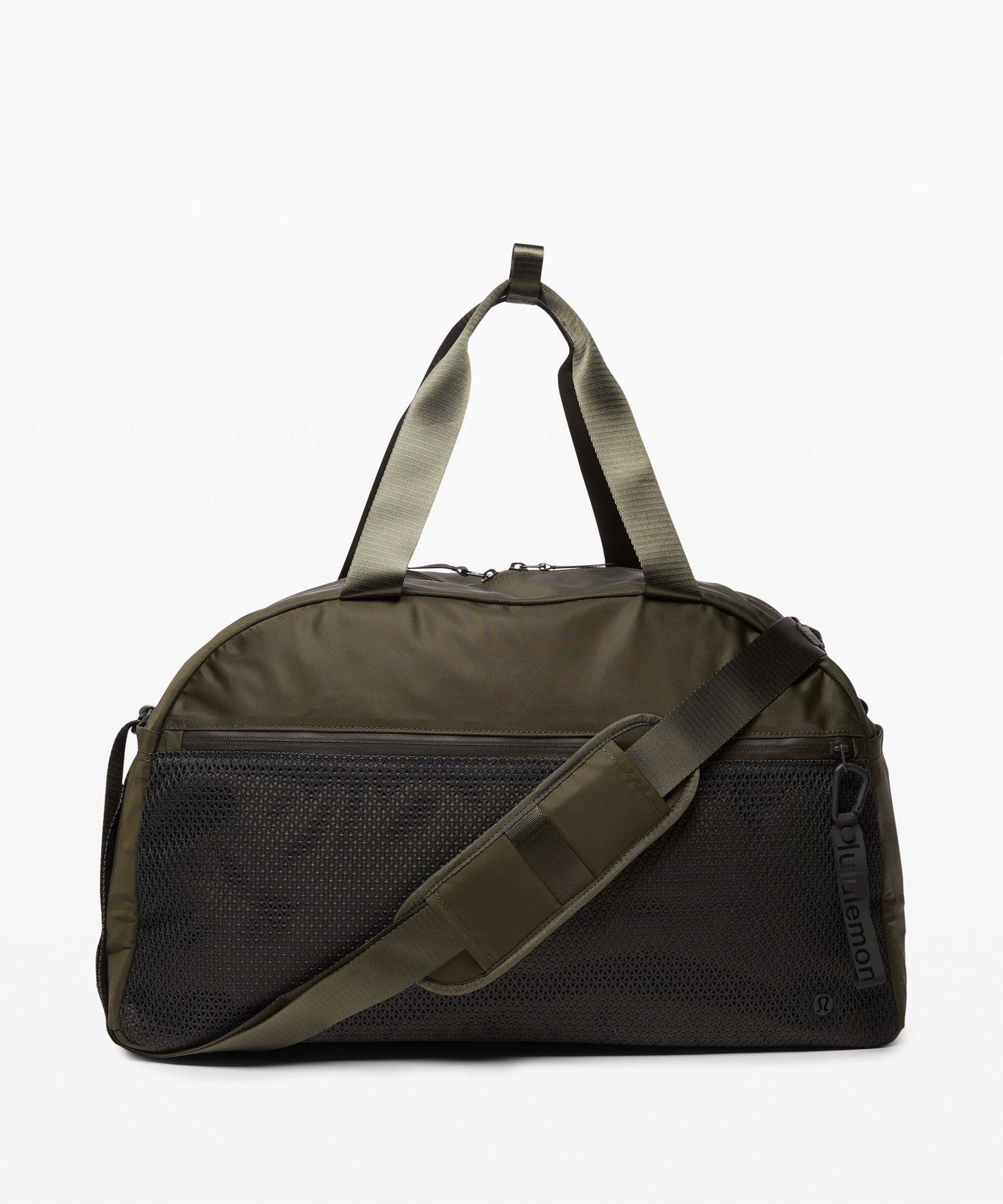 Feel more than prepared as you  go from class to the gym to  the library with everything  you need in tow in this  campus-ready duffel. The best  part: it features a  double-padded shoulder strap  for those days when you packed  maybe a bit too much.