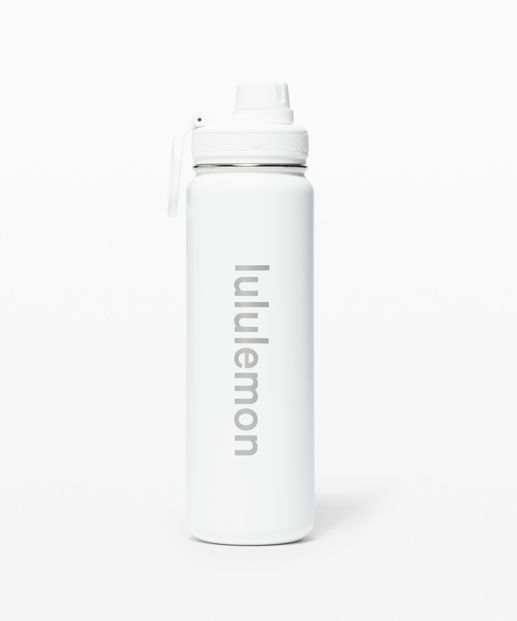 Stay hydrated all day long  with this insulated water  bottle. It fits into most cup  holders for in-transit  convenience, and features a  leak-proof lid and slip-free  texture so you can enjoy  spill-free one-handed  drinking—bottoms up.