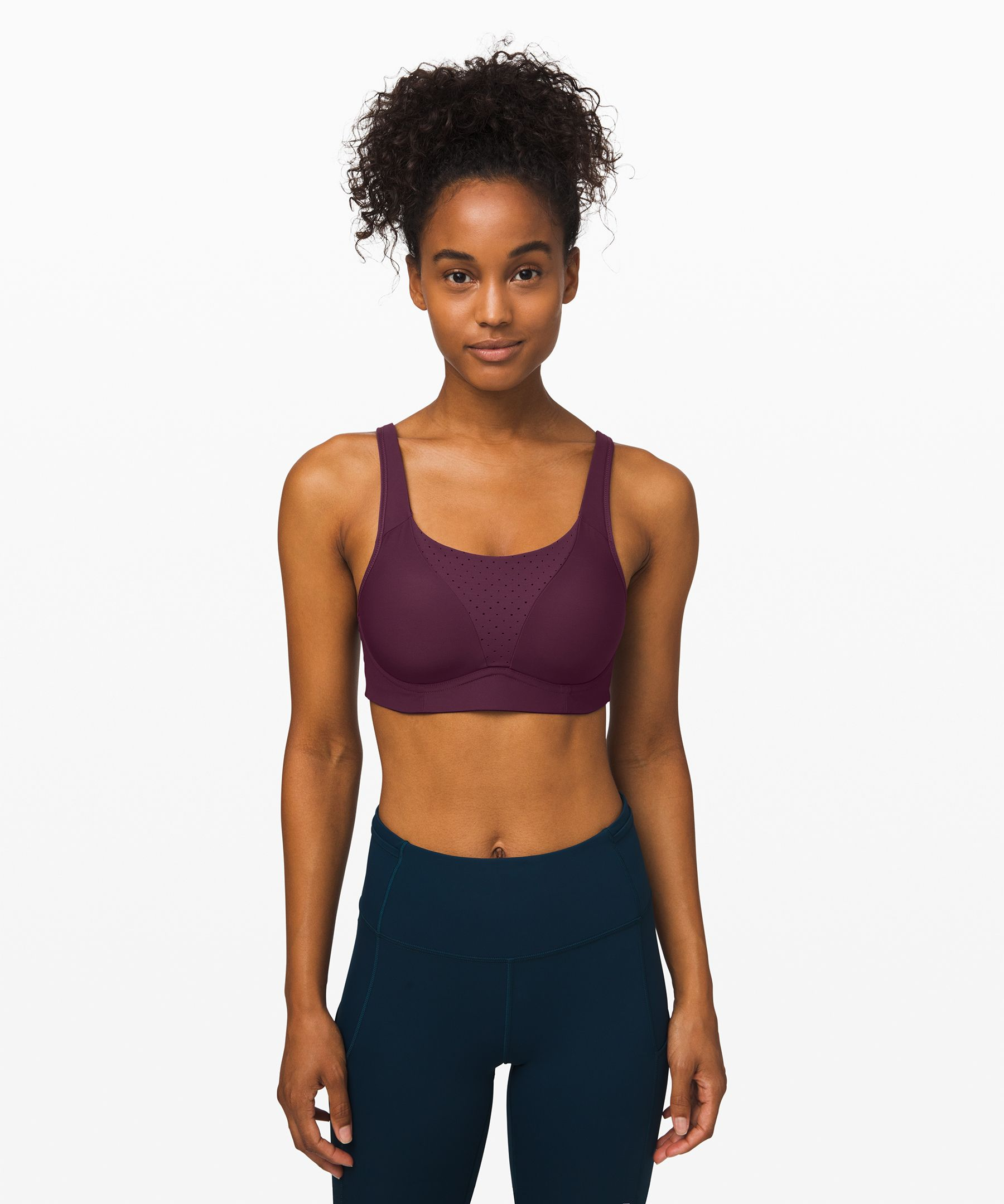 Going for a run? Keep your  mind on your stride in this  sleek bra that gives you  support, separation and  coverage, with perforated  panelling for airflow.