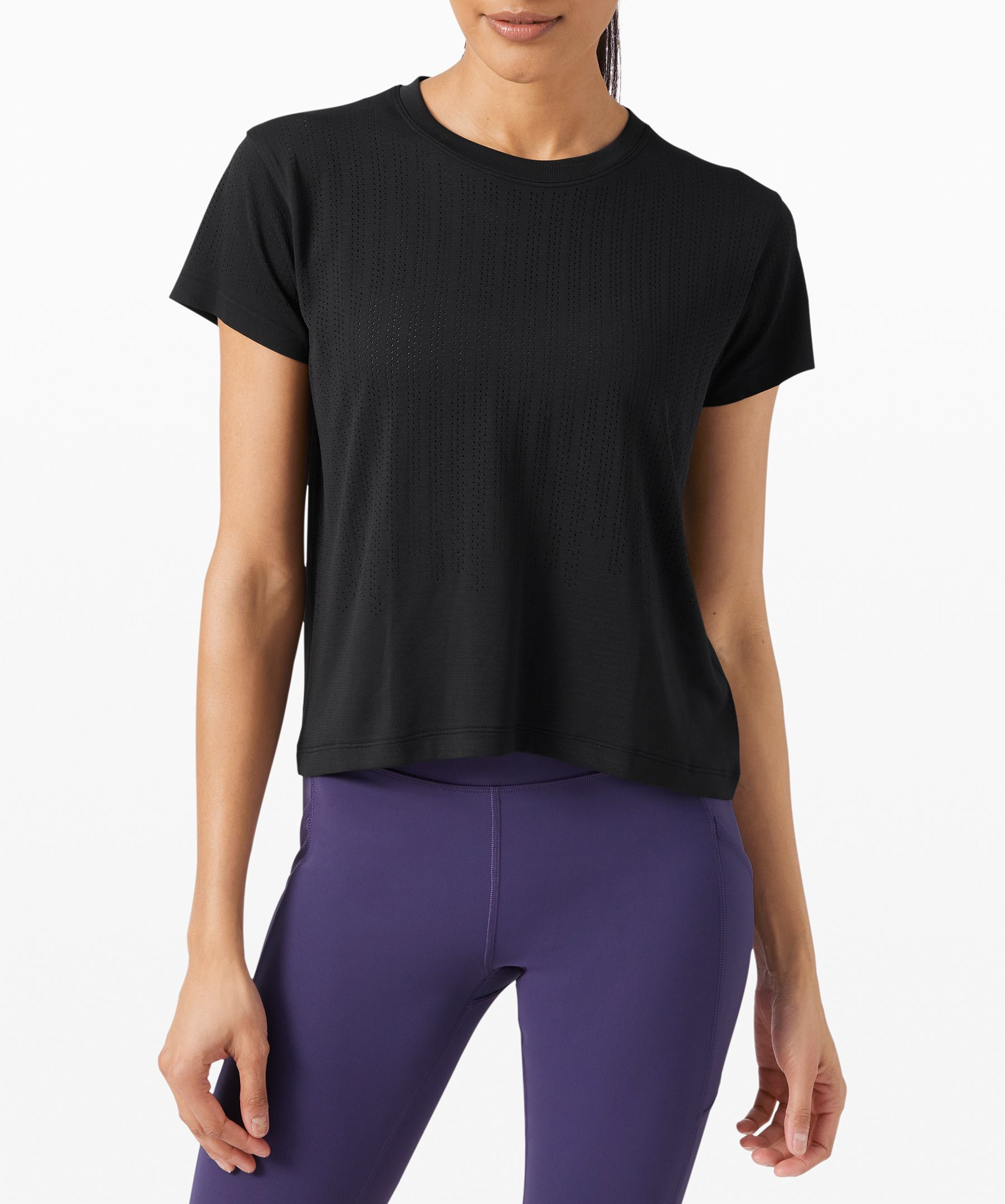 Train hard in this soft,  sweat-wicking top. Its  breathable open-hole  construction helps keep you  cool as the intensity picks up.