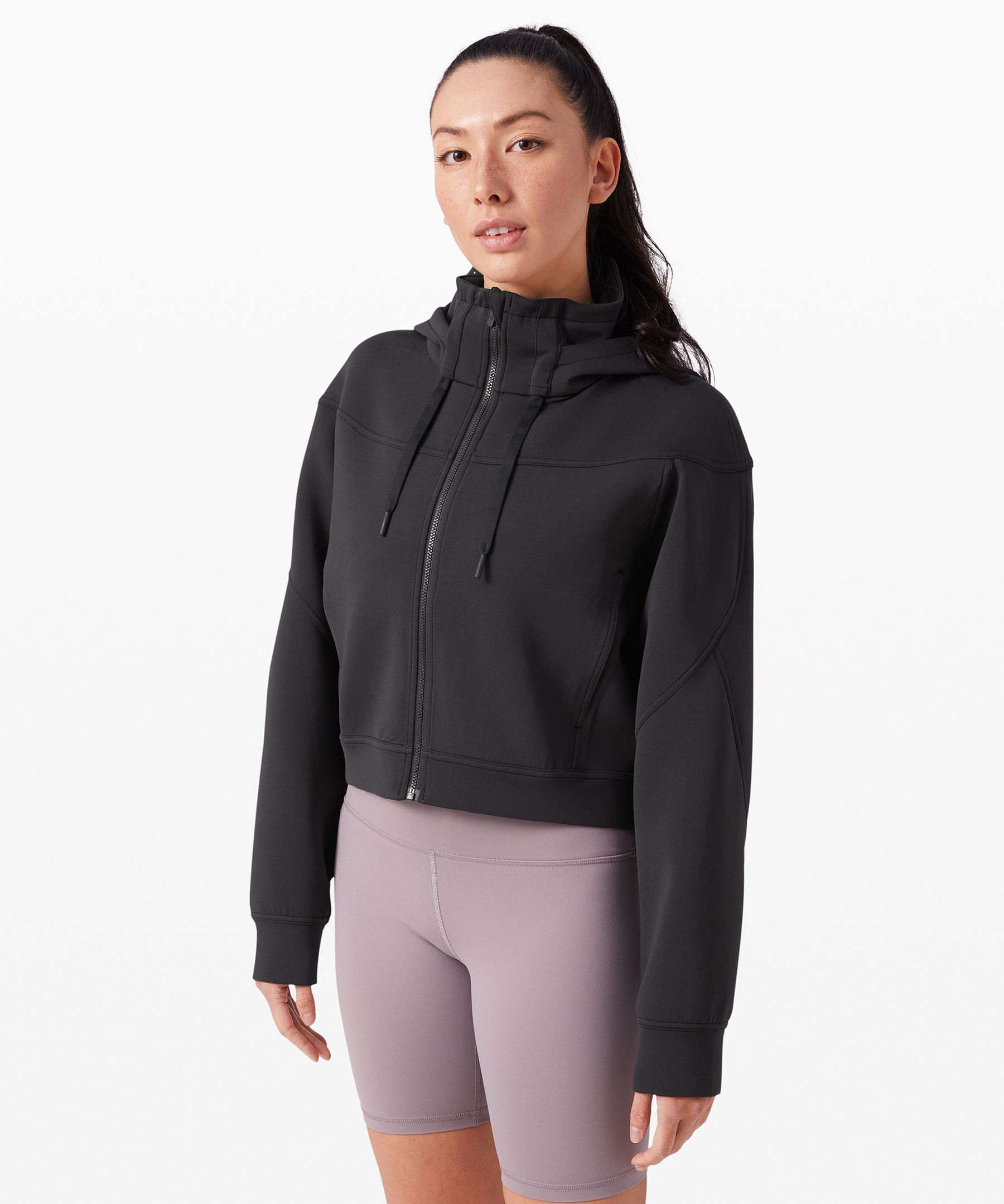 Gear up for your warm-ups and  keep your cool-downs looking  fresh. Designed in  sweat-wicking Spacer fabric,  this full zip hoodie is your  new best training partner.