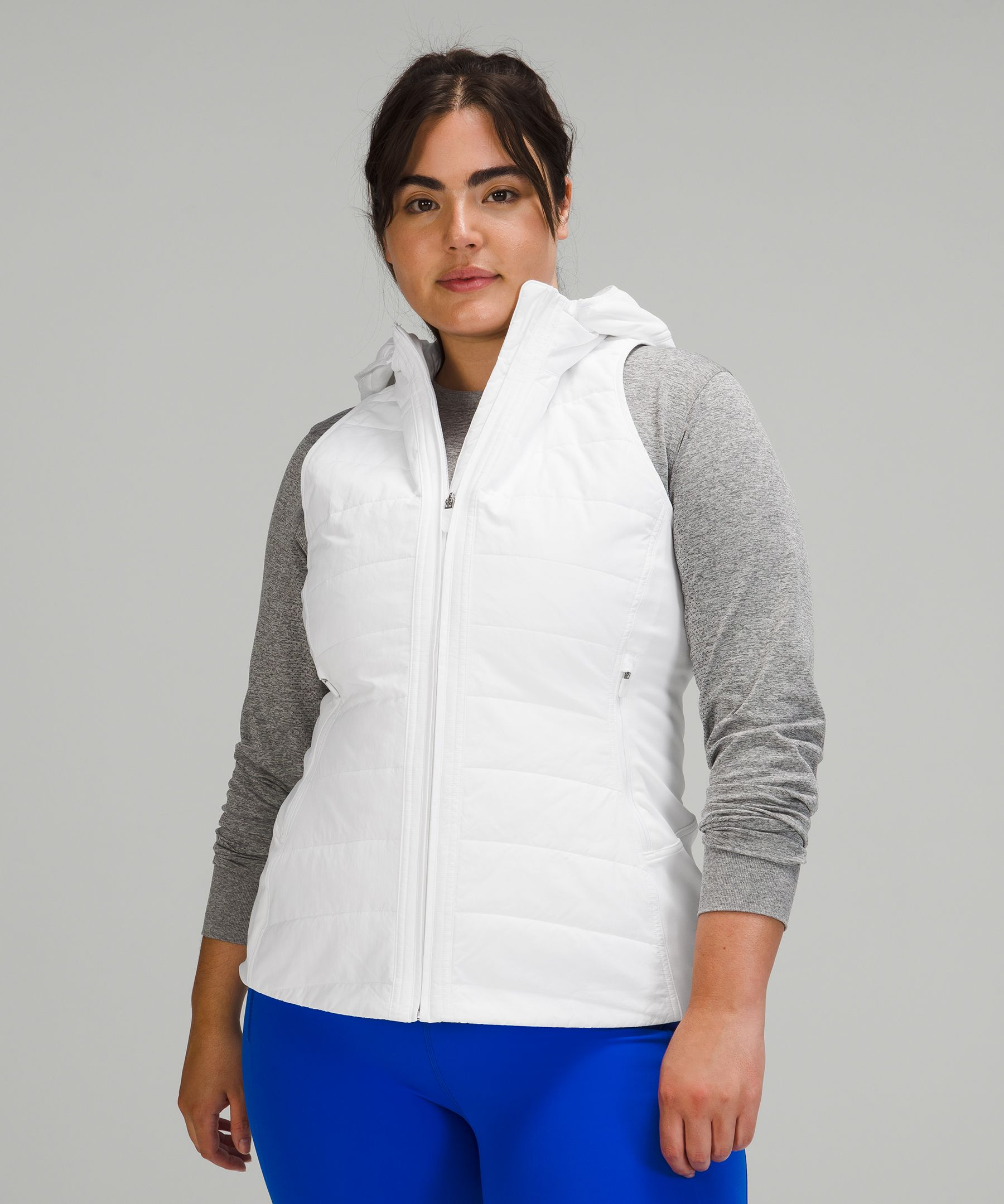 Running in the cold never felt  so good. This vest has  windproof, water-repellent  fabric in the areas most  exposed to the elements, and  stretchy Tech Fleece fabric  where you need to move. Bonus:  the fleece is water-repellent  too.