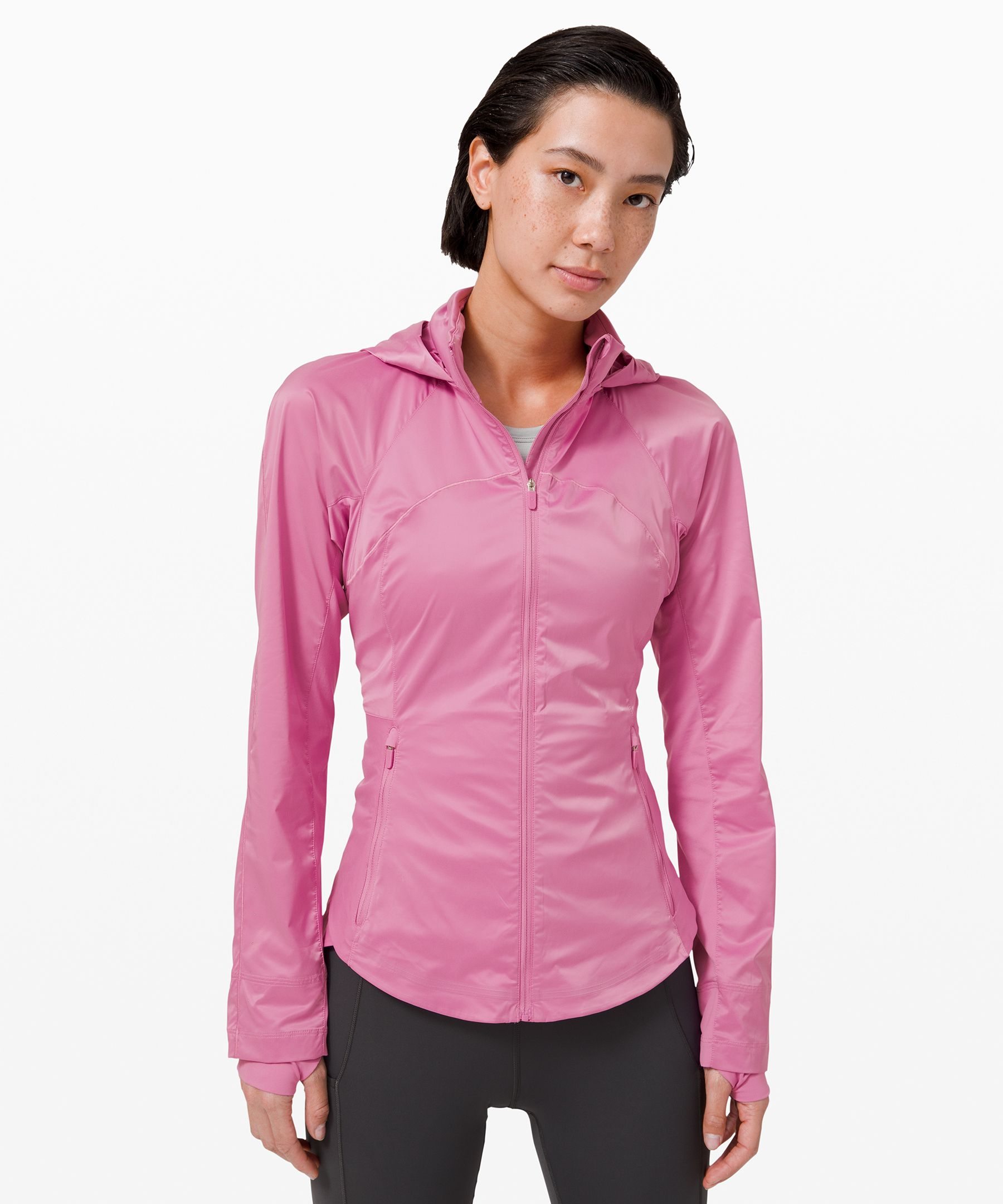 Smash your goals in this  lightweight run jacket. With  stretch panels, plenty of  pockets, and a hood that packs  away when the skies are clear,  it\\\'s made to move with you on  every route.