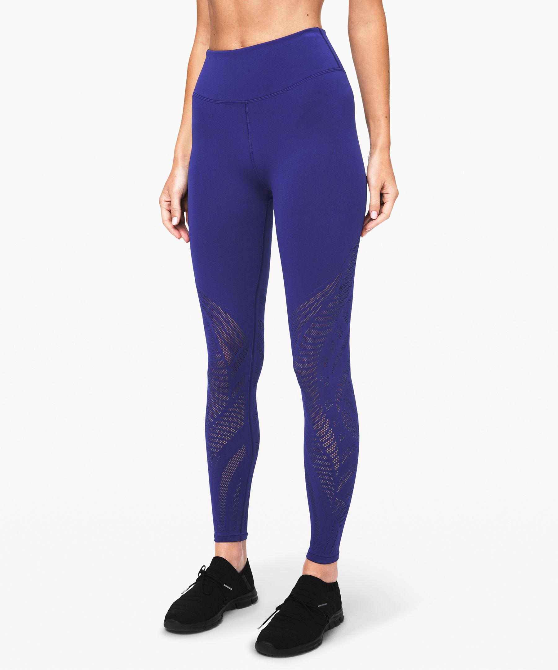 "Reveal Tight 26 *Aurora},styles:[{fabric-id:[LW5BU8S_fabric],product-feature-id:[LW5BU8S_features],style-colors:[{model-description:Deja is 5'11"" and wears a size 4"