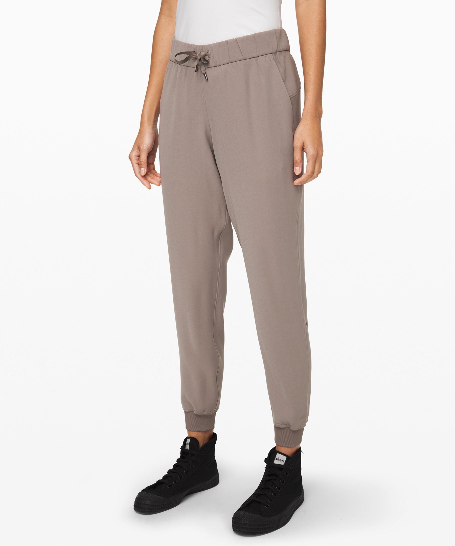 On the Fly Jogger *Woven