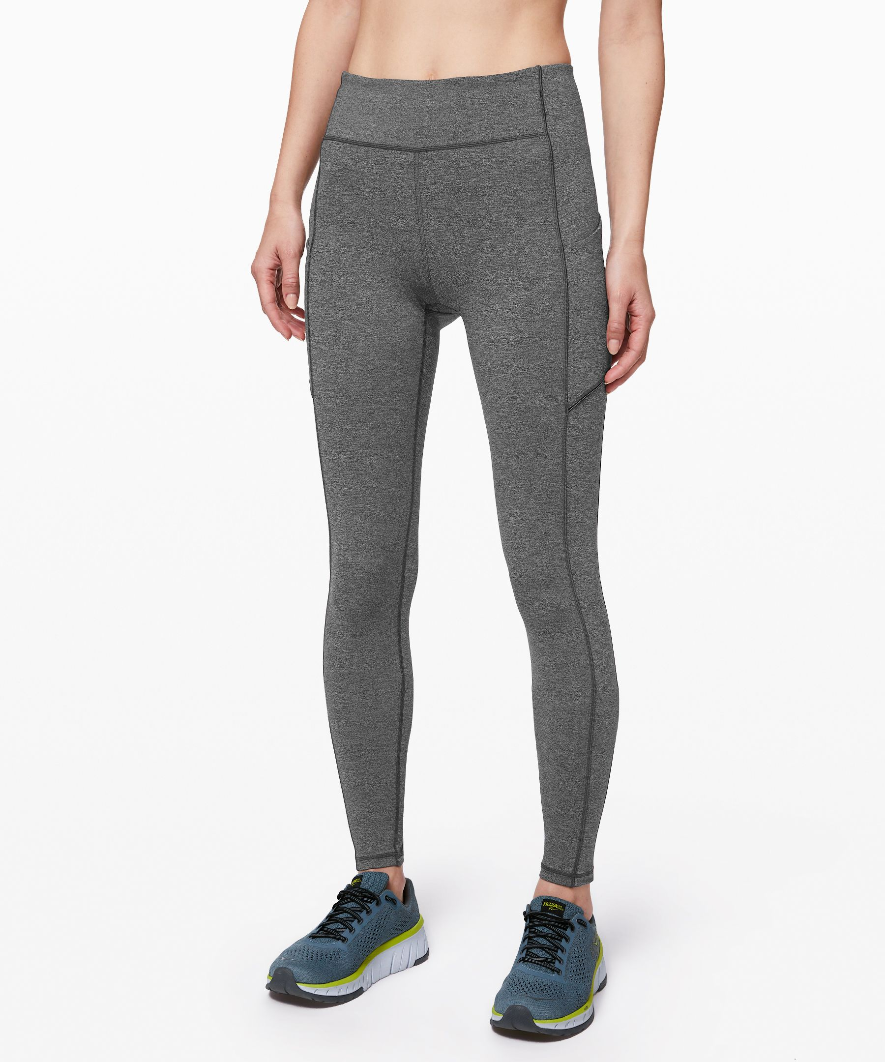 Focus on your gait, not your  gear, in these lightweight,  sweat-wicking run tights that  are fully loaded with built-in  storage and reflectivity.