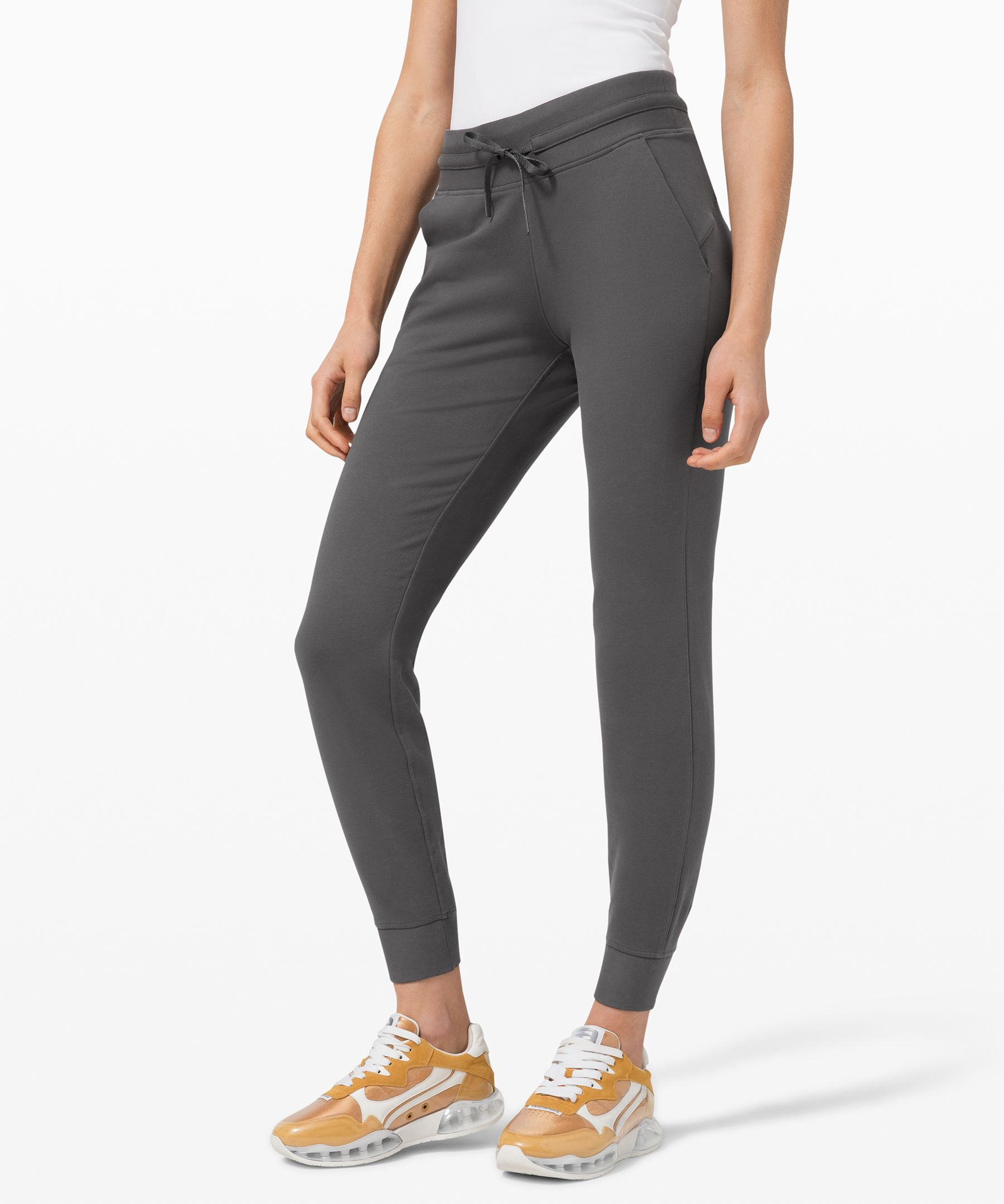 Cozy, fleecy, cool. Chill out in comfort in these stretchy joggers.