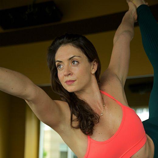 Claudia  Olson