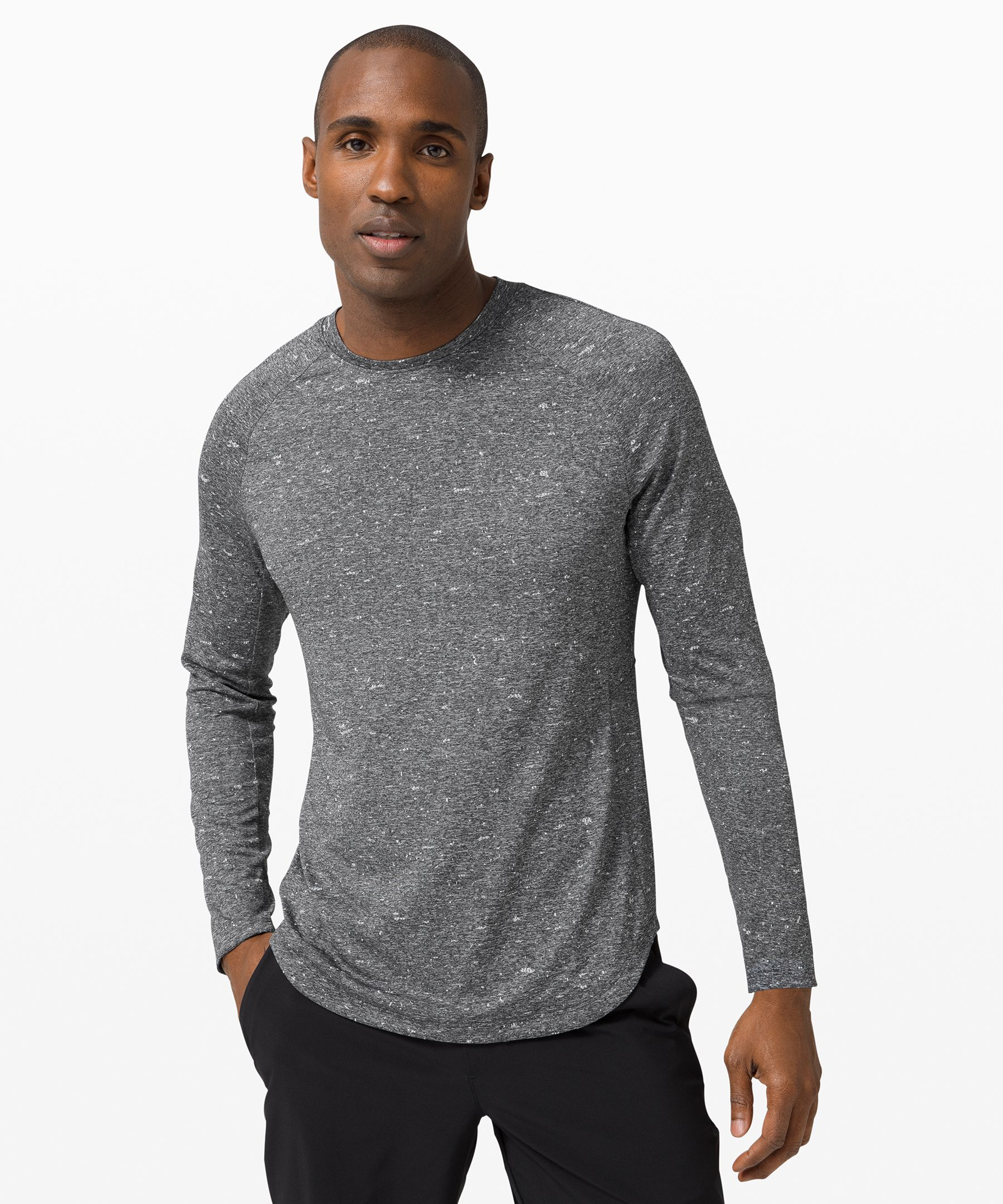 Train hard and get sweaty. This long sleeve keeps things well ventilated as you increase your intensity.