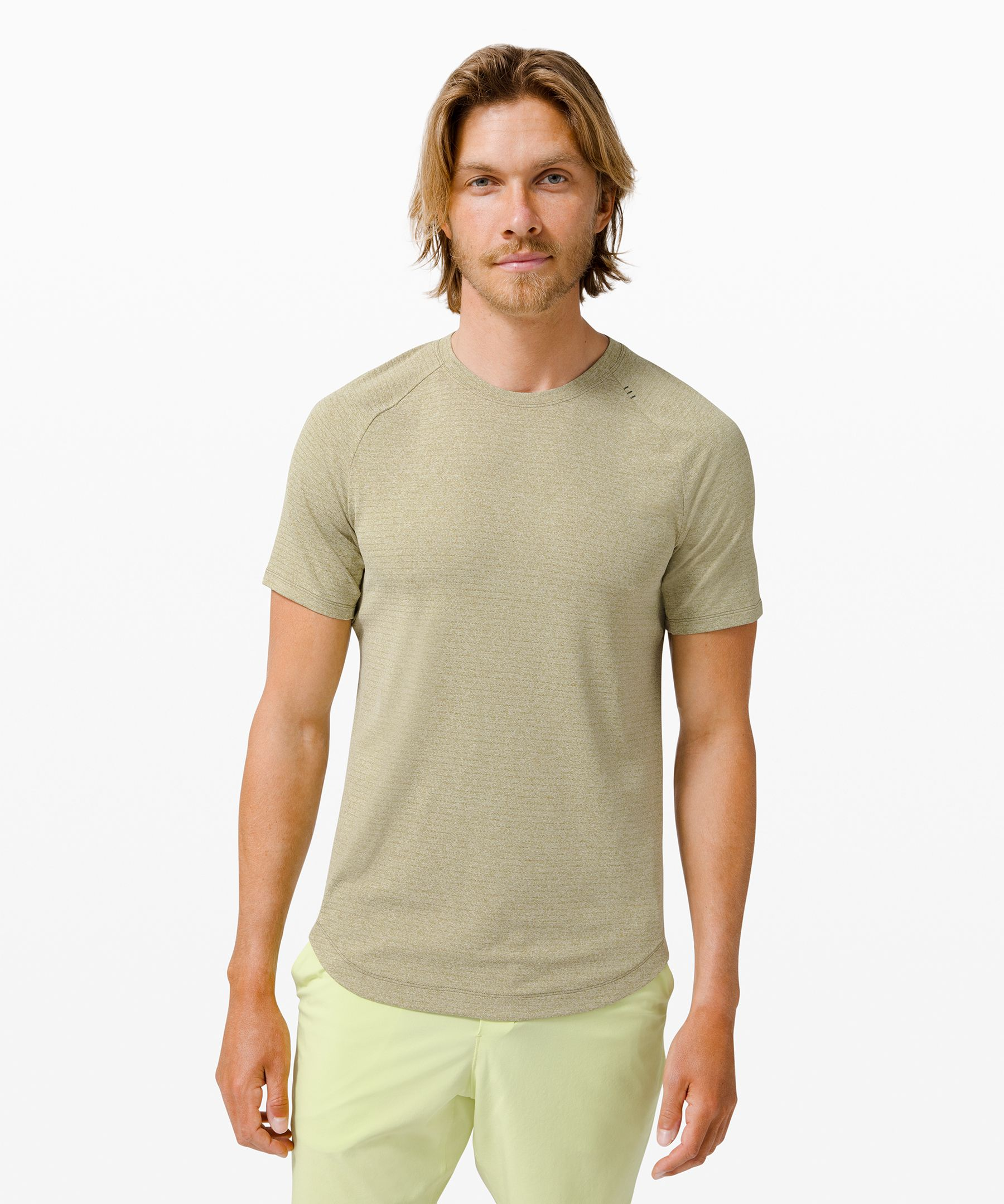 Break a sweat. This short sleeve\\\'s mesh fabric has been developed to feel good against sweaty skin.