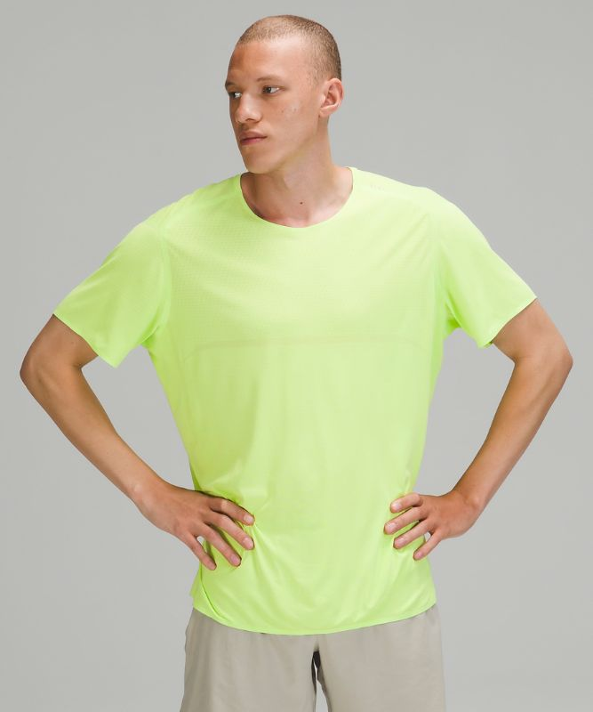 Fast and Free Short Sleeve   *Breathe