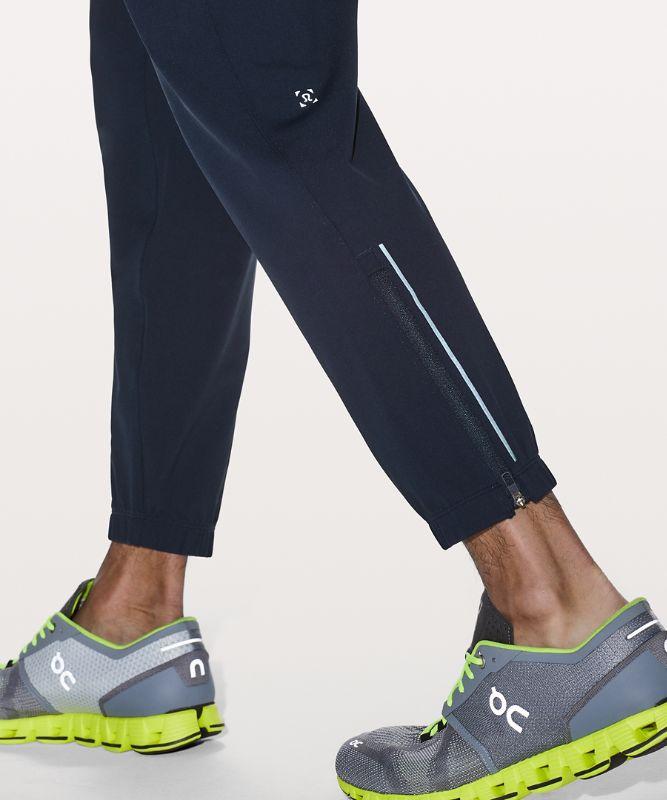 Surge Jogger *Asia Fit