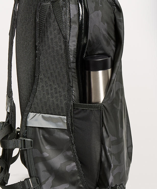 c835ee126120 Surge Run Backpack II  Men s Fit 16L