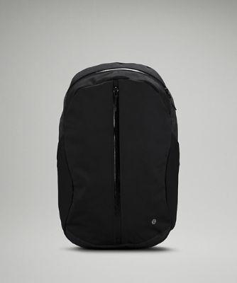Centered-Zip Backpack 21L