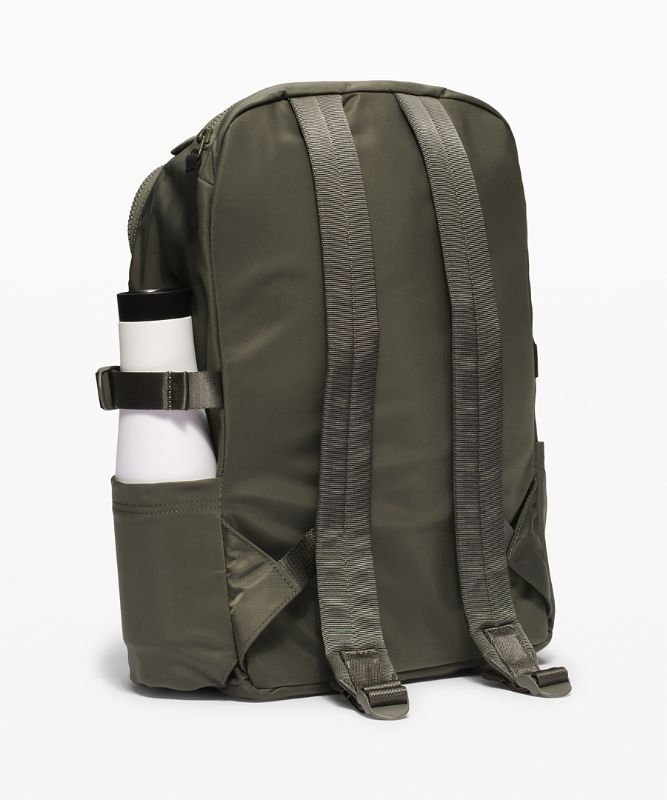 New Crew Backpack 22L *Online Only
