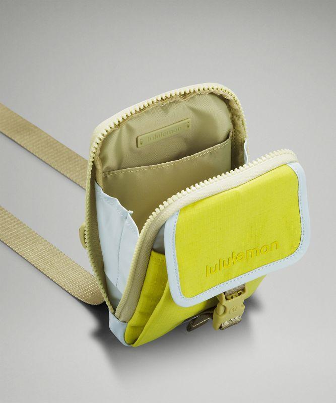 Umhängetasche mit Reißverschluss oben