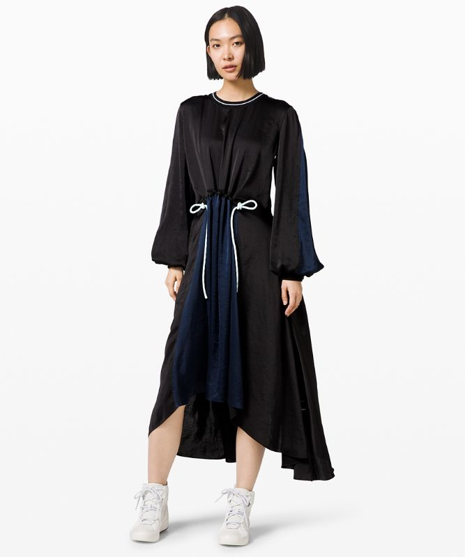 Robe Face Forward *lululemon x Roksanda