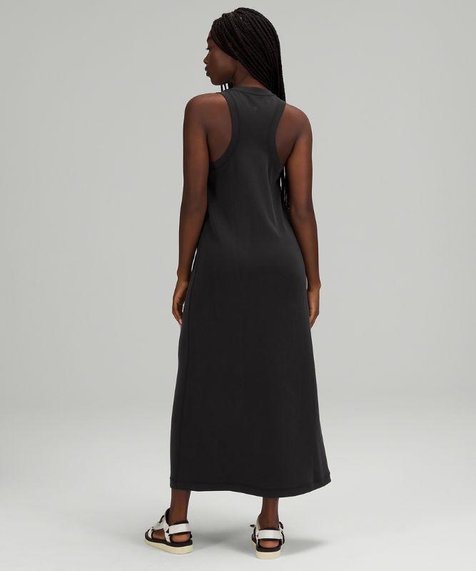 이즈 오브 잇 올 브이넥 미디 드레스 Softstreme™
