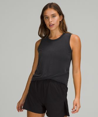 Do the Twist Cropped Tank