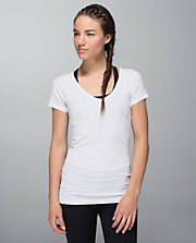 Run:Swiftly Tech SS V Neck