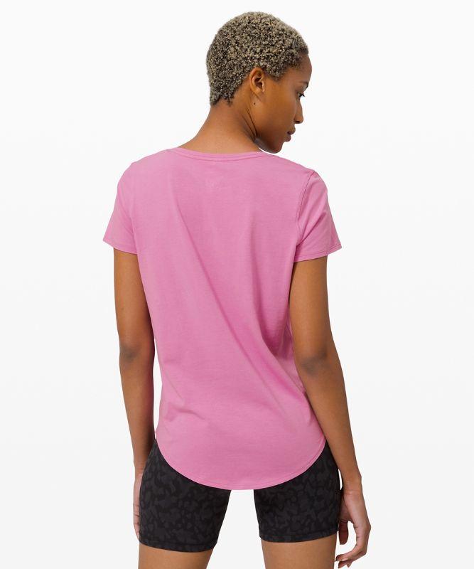 Love T-Shirt mit V-Ausschnitt