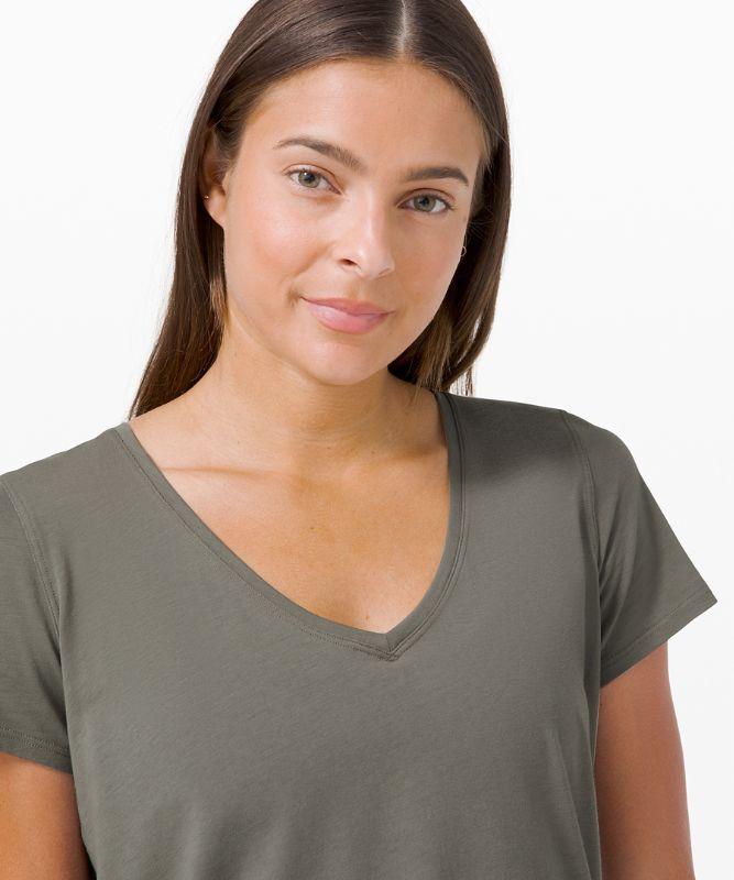 T-shirt à col enV Love