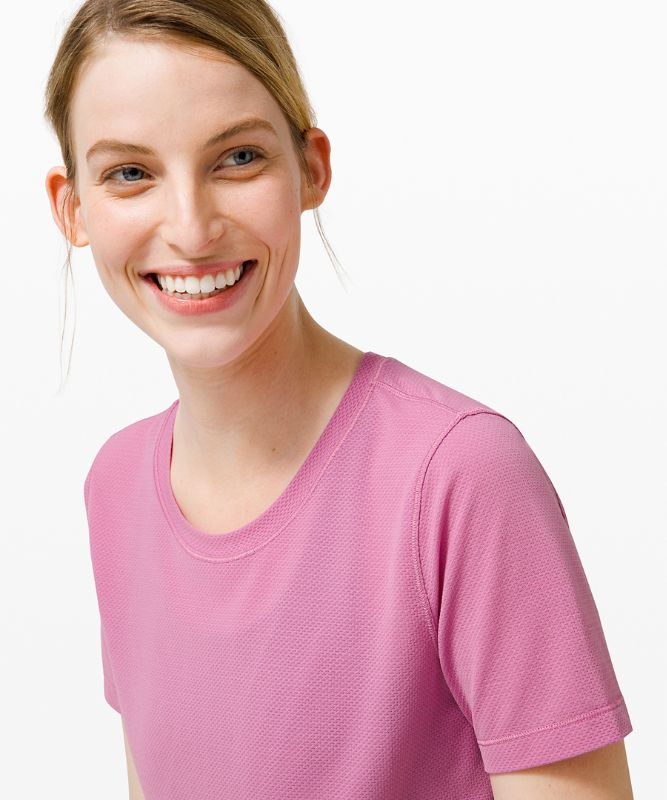 Long Distance Kurzarm-Shirt