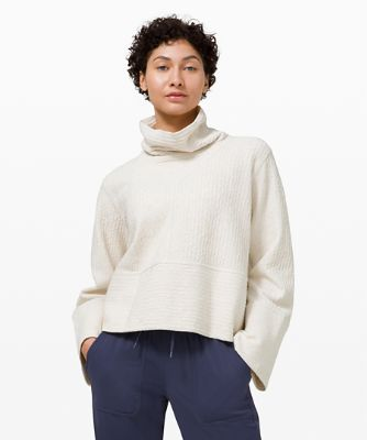 Retreat Yourself Pullover