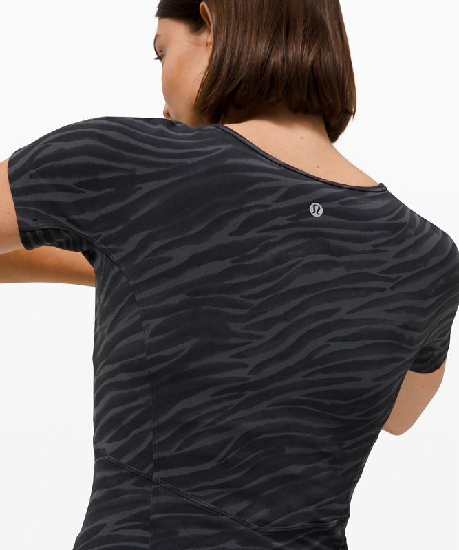 Nulu™ Cropped Slim Yoga Short Sleeve