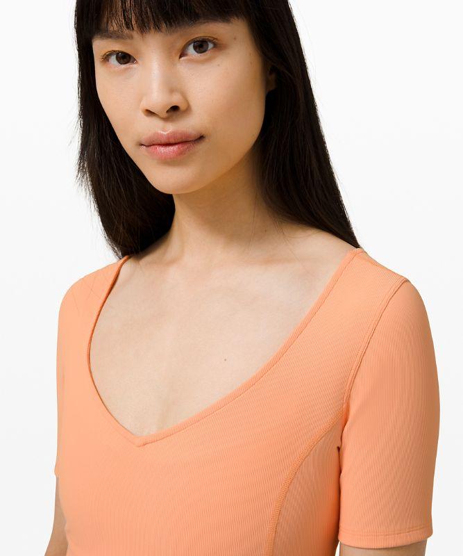 Ribbed Contoured V-Neck Yoga Short Sleeve Shirt
