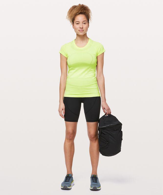 T-shirt à col rond et manches courtes Swiftly Tech