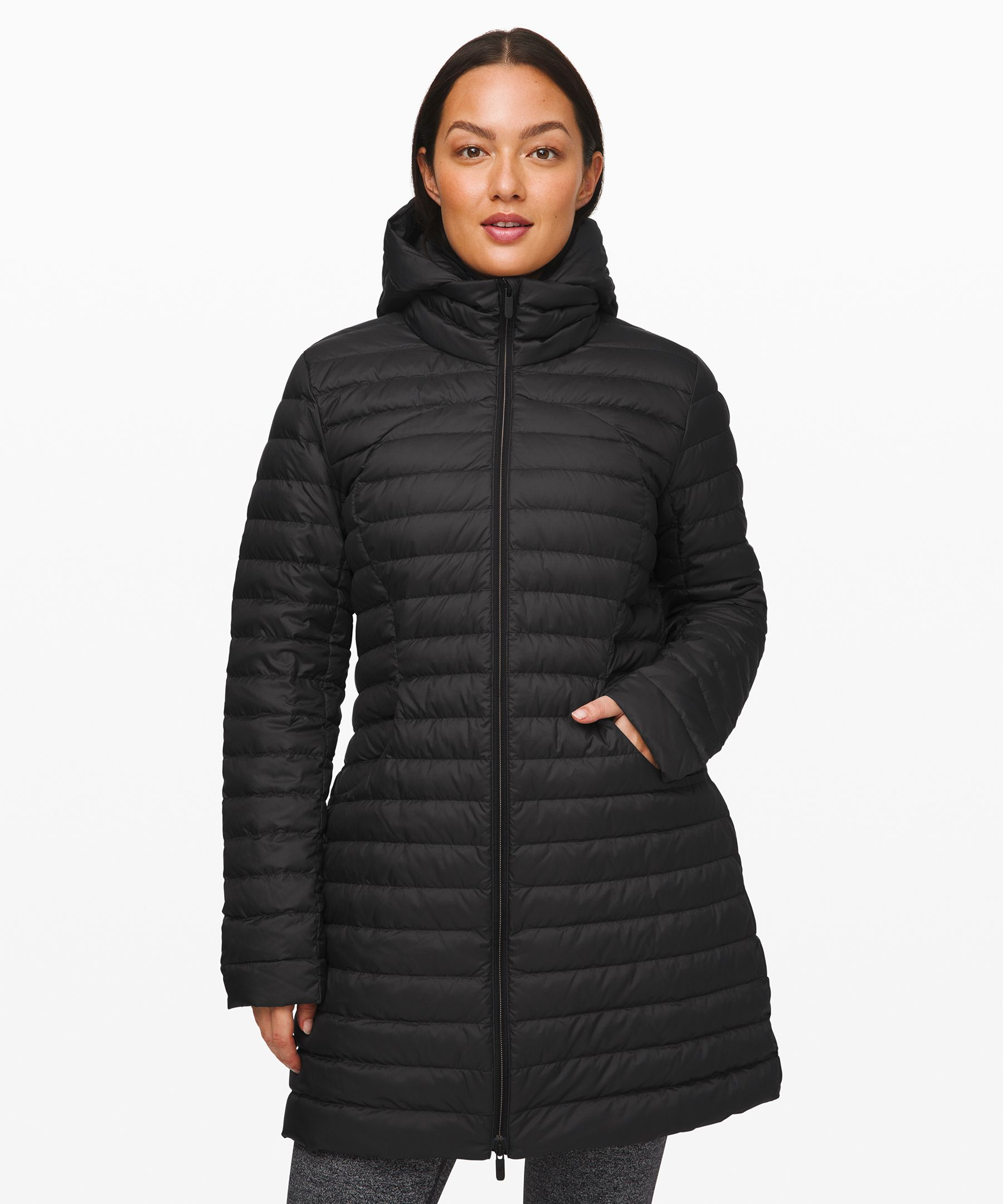 Layering season is here. Wear this packable, travel-friendly down jacket on its own, or under a rain-proof jacket for added warmth.