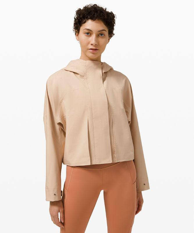 Lululemon Women's Rain Chaser Jacket, Cafe Au Lait Size 8
