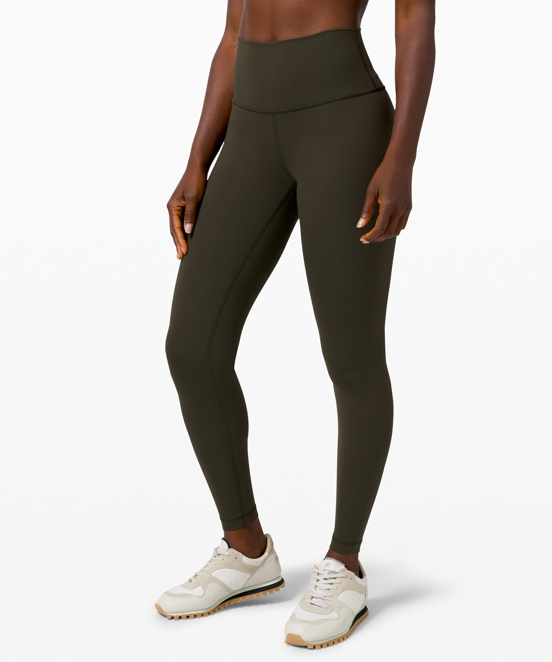 The one that started it all. Lunge, train, or flow in our versatile Wunder Under collection. Powered by Luxtreme™ fabric, these tights are a sweaty staple.