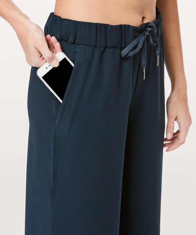 On the Fly Wide-Leg Pant *Woven