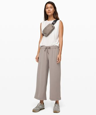 On the Fly 7/8 Wide Leg Pant *Woven
