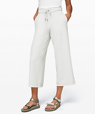 38d68824972e26 View details of On the Fly Wide-Leg 7/8 Pant Woven