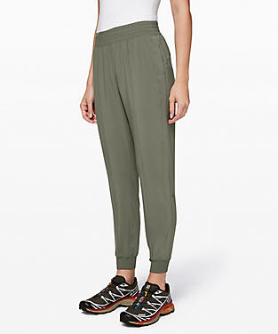 f4df18f449030 View details of Wanderer Jogger ...