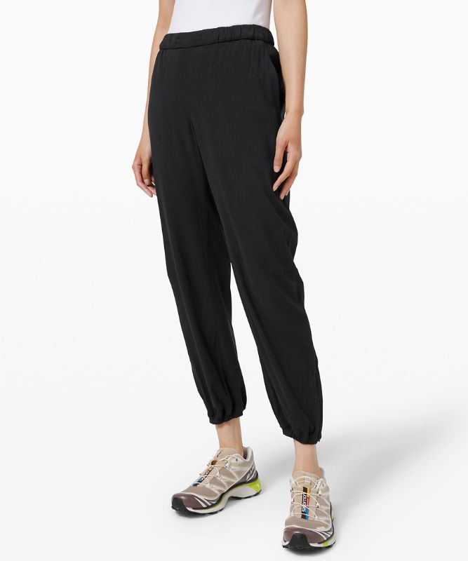 Essential Affinity Mid-Rise Jogger