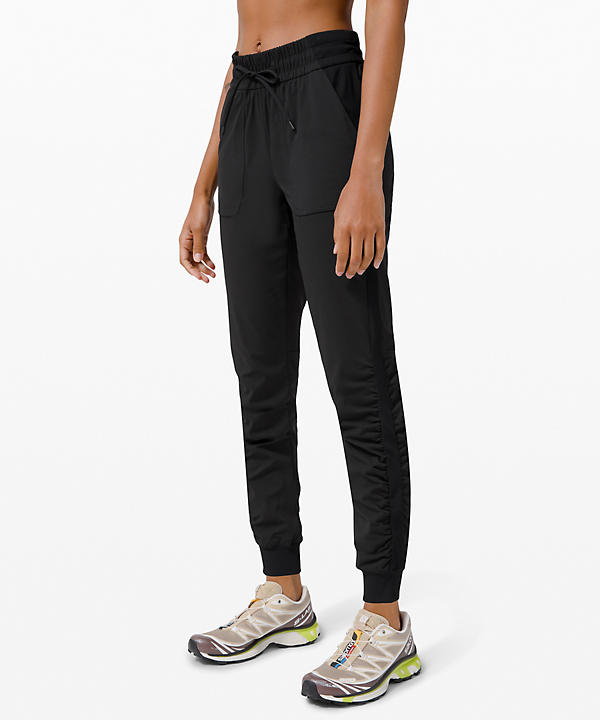 Beyond the Studio Jogger | Women's Joggers