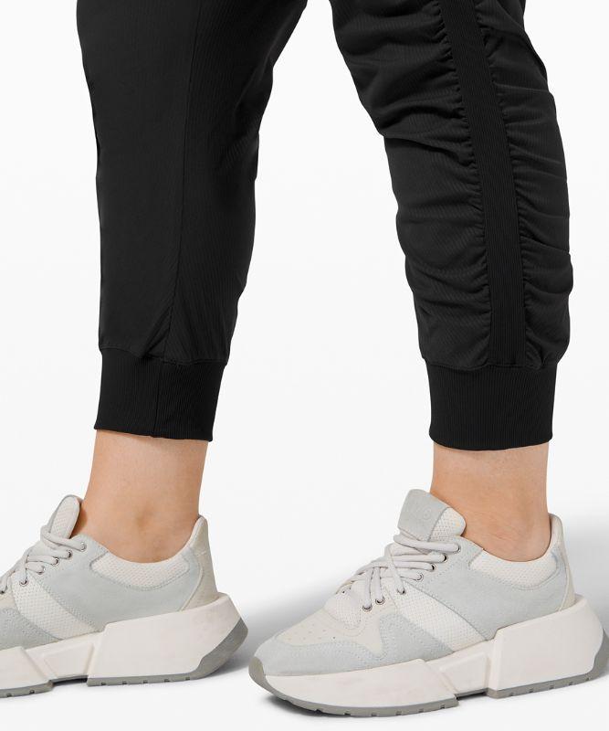 Pantalon de jogging 7/8 Beyond the Studio