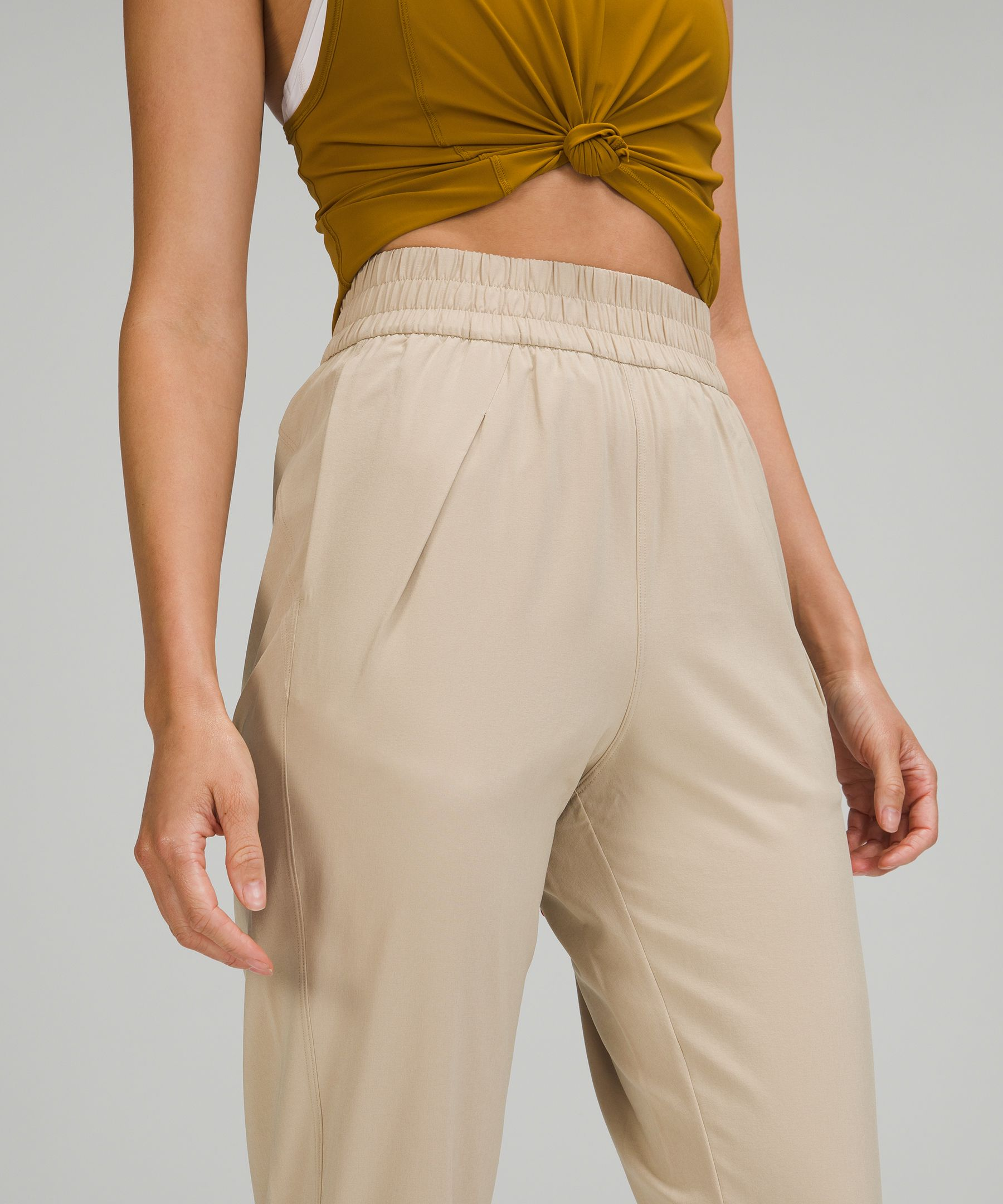 Ease Back In High-Rise Pant