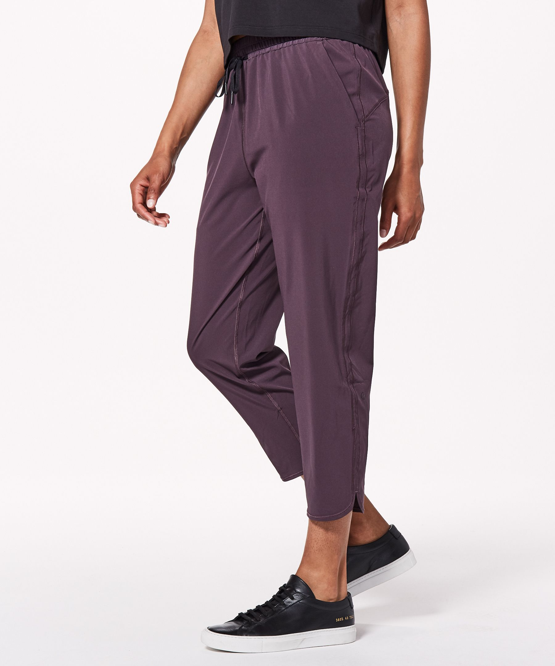 """Keep It Classic Crop 23""""New by Lululemon"""