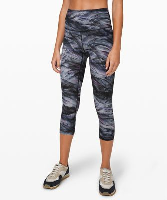 """Wunder Under High-Rise Crop 21"""" Full-On® Luxtreme"""